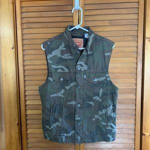 Levi's Men's Camouflage Jean Vest